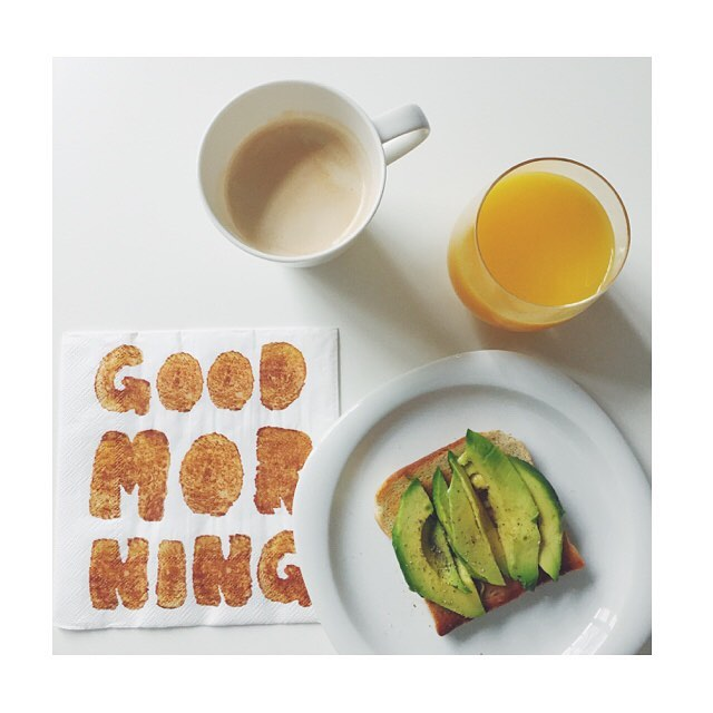 MORNING #Breakfast #lunch #goodmorning #friday #friyay #travelgram #wanderlust #orange #orangejuice #avocado #toast #coffee #weekend #travelgram #excited #londoncalling #me #today #home #vsco #vscogram #vscophile #fashionblogger_de #instablogger #potd
